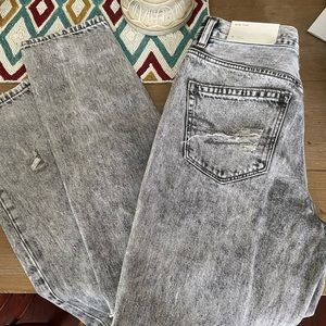 American Eagle Mom jeans size 6